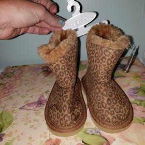 NWT! Koala baby girls size 6 boots
